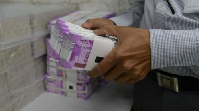 Last week, investors were richer than 6 lakh crores, foreign investors rained 17304 crores, while MF invested after 10 months